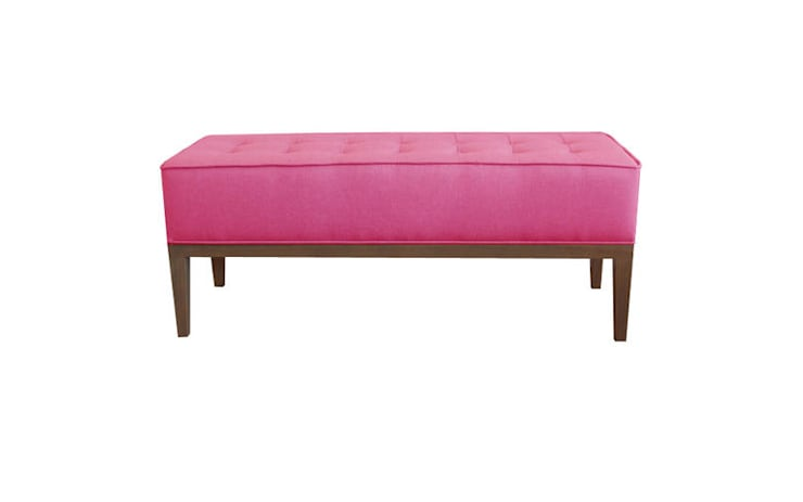 Банкетка BUTTONS biege: Спальная комната  в . Автор – ROOMA Design & Furniture,