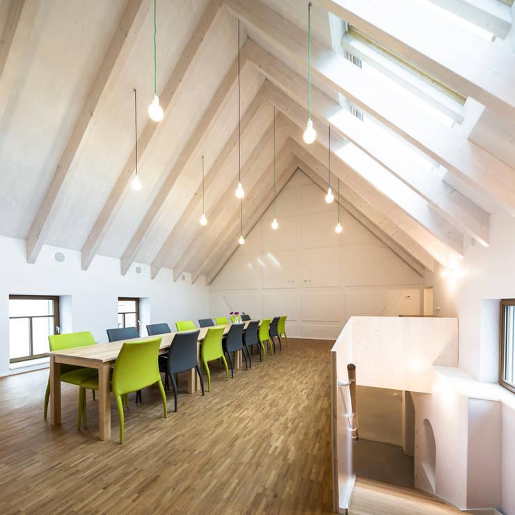 saniertes Stadthaus Taucha - Packbauer Architektur:  Veranstaltungsorte von Bertram Bölkow Fotodesign