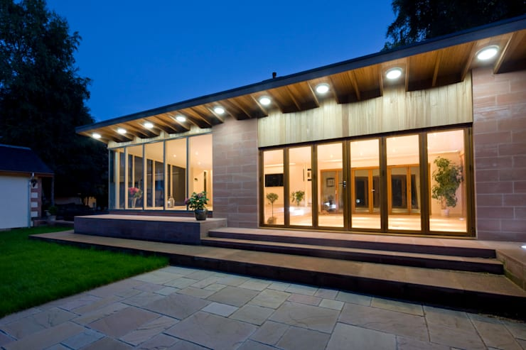 Residential Extension, Glasgow: modern Houses by CRGP Limited, Architects, Surveyors and Project Managers
