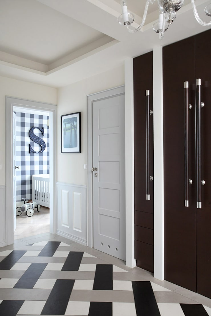 Koridor & Tangga Klasik Oleh MG Interior Studio Michał Głuszak Klasik