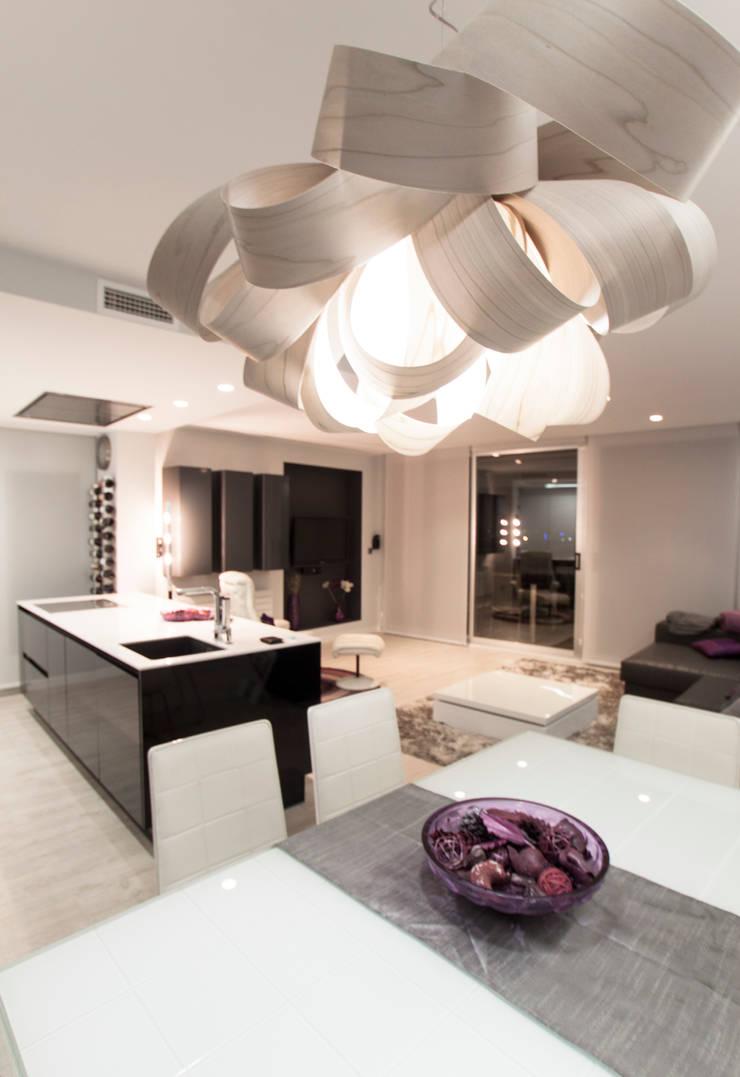 Como decorar mi casa para ganar luz: Cocinas de estilo  de Estatiba construcción, decoración y reformas en  Ibiza y Valencia, Moderno
