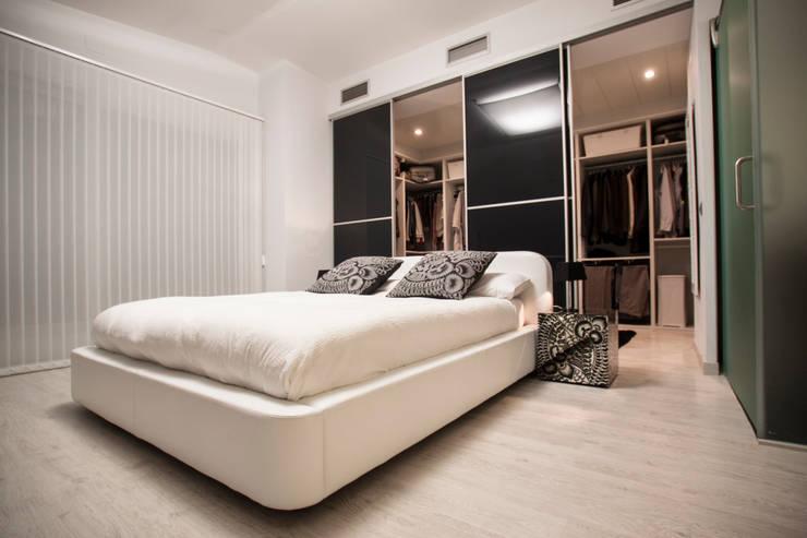 Dormitorios de estilo  por Estatiba construcción