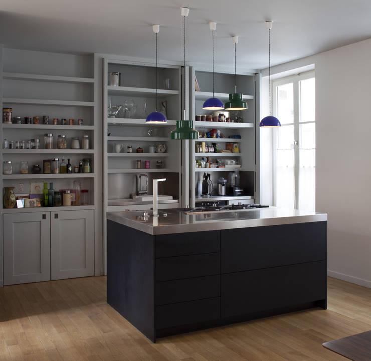 Cuisine : Cuisine de style de style Moderne par Atelier architecture située