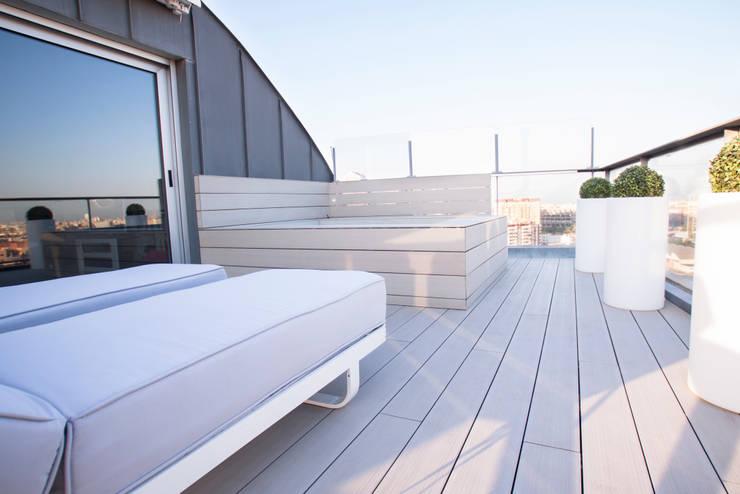 Interiorismo, C/ Maestro rodrigo. Valencia: Terrazas de estilo  de Estatiba construcción