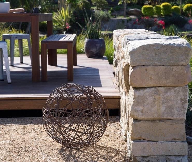 Tерраса в . Автор – Ecologic City Garden - Paul Marie Creation, Классический