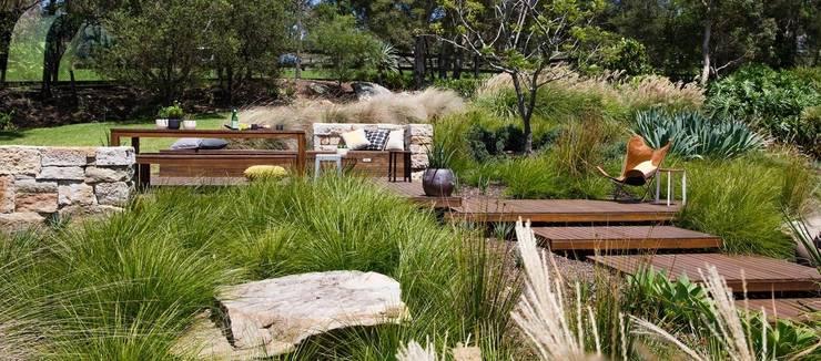 Бассейн в . Автор – Ecologic City Garden - Paul Marie Creation, Классический