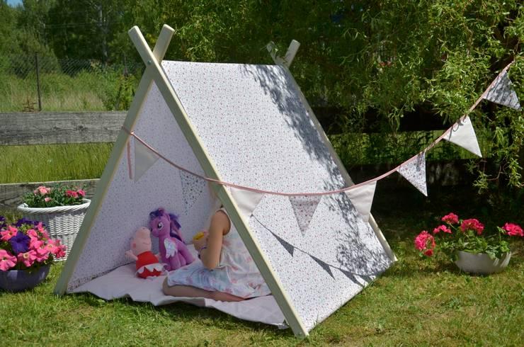 Namiot domek tipi romantyczne kwiaty: styl , w kategorii Pokój dziecięcy zaprojektowany przez Lucky Kids