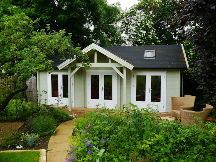 Emily Garden Cabin with canopy:  Garden by Garden Affairs Ltd, Colonial