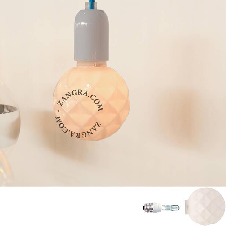 ŻARÓWKA DEKORACYJNA KRYSZTAŁ BIAŁY Ø100 019: styl , w kategorii Salon zaprojektowany przez Intterno,