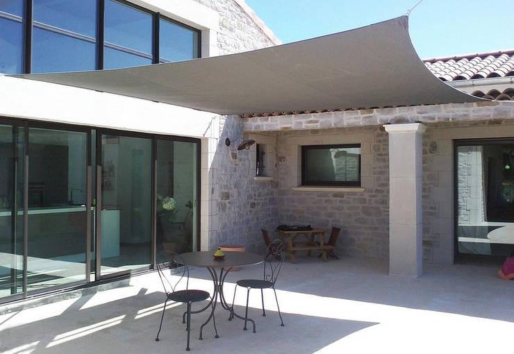 Jardín de estilo  por Arredo-Giardino.com