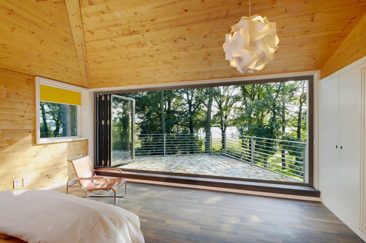 Finestre & Porte in stile in stile Moderno di Solarlux GmbH