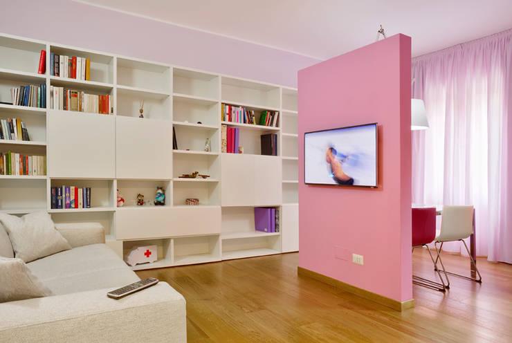 Salas de estilo moderno por Architetto Barbara De Pascalis e Lorenzo Zanetti - ATELIER ARCHITETTURA -