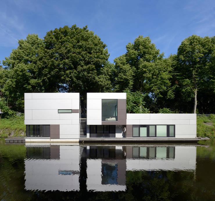 Casas clássicas por DFZ Architekten