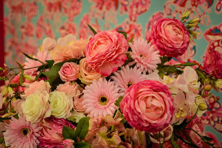 le rêve en rose:  Woonkamer door Groothandel in decoratie en lifestyle artikelen