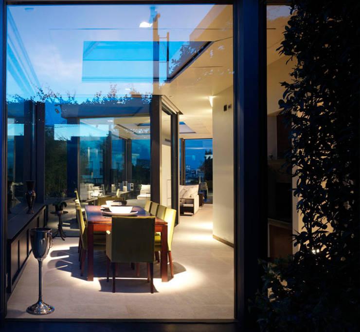 Penthouse - Milano: Sala da pranzo in stile in stile Moderno di MRP ARCHITETTURE SRL