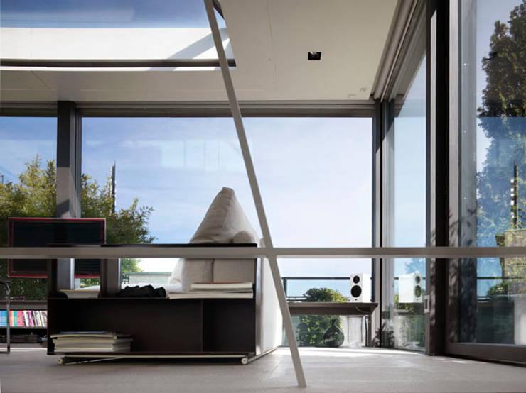 Penthouse - Milano: Soggiorno in stile  di MRP ARCHITETTURE SRL