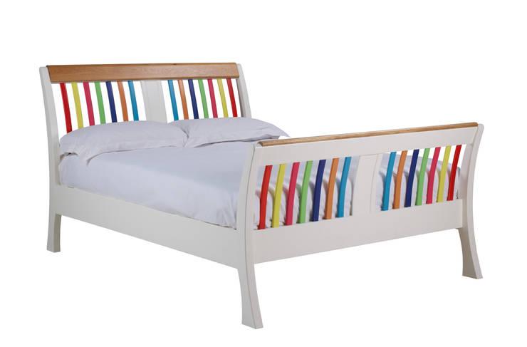 Recámaras de estilo  por The Painted Furniture Company