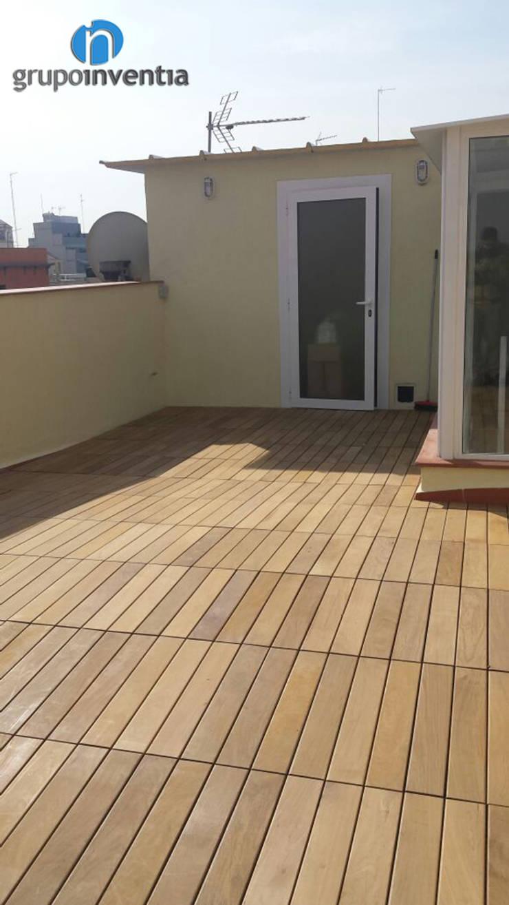 Reforma de terraza: Terrazas de estilo  de Grupo Inventia