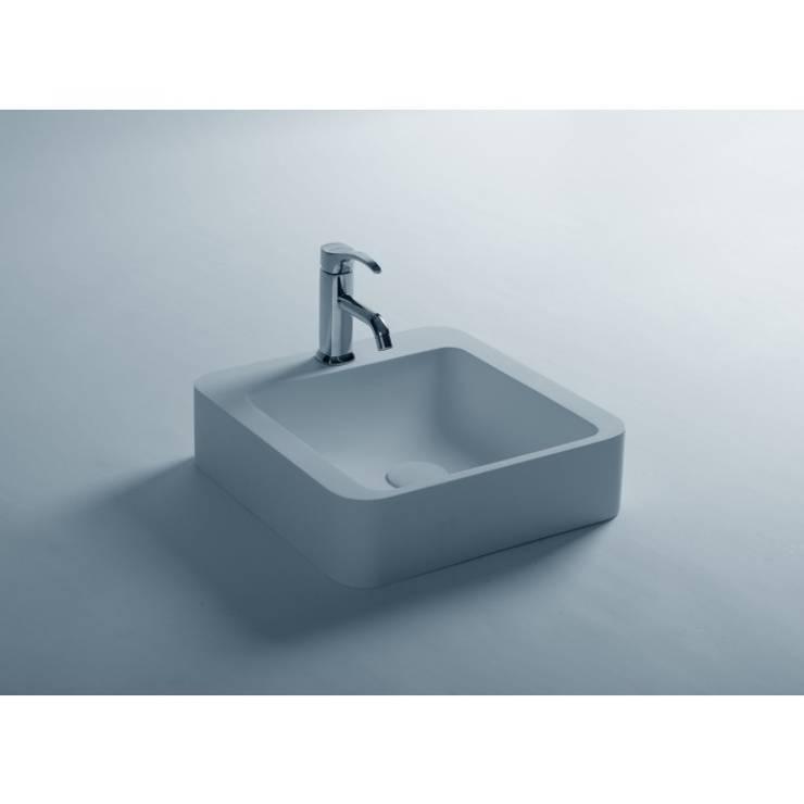 Baños de estilo  por Ullstein Produktions- und Handelskontor GmbH