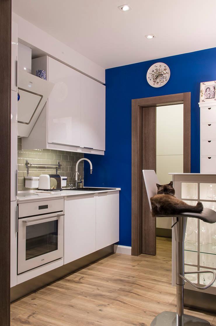 Квартира в ЖК Новая Скандинавия: Кухни в . Автор – projectorstudio