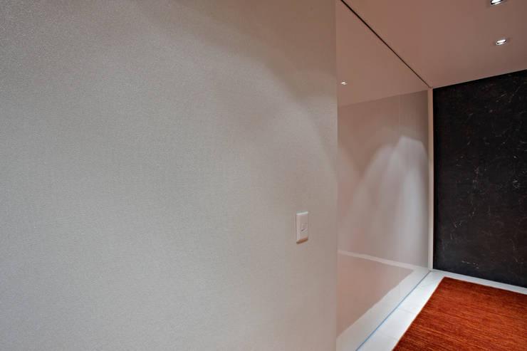 modern  by Anaíne Vieira Pitchon Arquitetura e Interiores , Modern