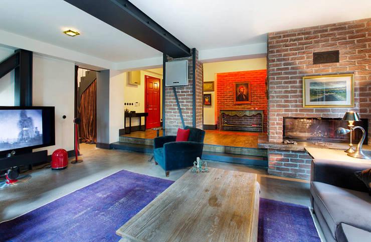 Udesign Architecture – Levent Villa:  tarz Oturma Odası