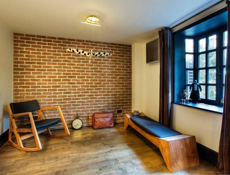 Udesign Architecture – Levent Villa:  tarz Giyinme Odası, Endüstriyel