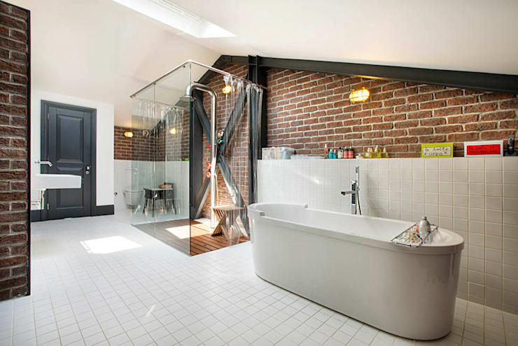 Bathroom by Udesign Architecture