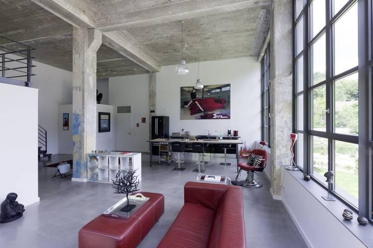 Loft:  Küche von Hauser - Architektur