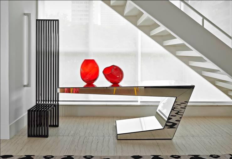 Cobertura Gutierrez: Sala de estar  por Cassio Gontijo Arquitetura e Decoração