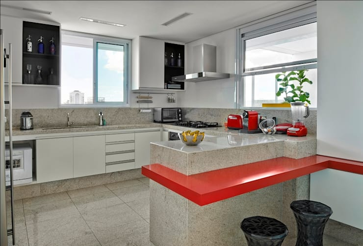 Cocinas de estilo moderno por Cassio Gontijo Arquitetura e Decoração