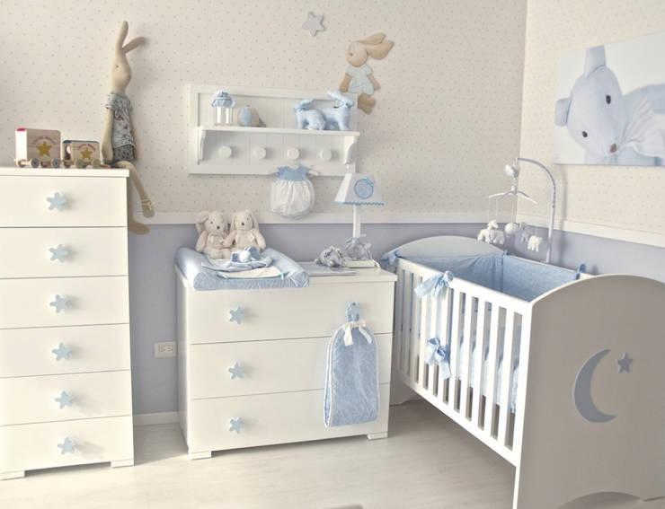 Habitación Luna: Habitaciones infantiles de estilo  por Baby Luna