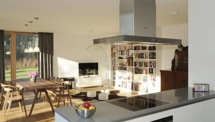 Projekty,  Salon zaprojektowane przez JEBENS SCHOOF ARCHITEKTEN