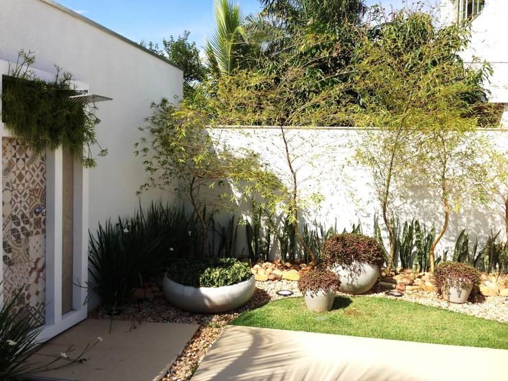 Casa 1: Terraços  por ESTÚDIO danielcruz
