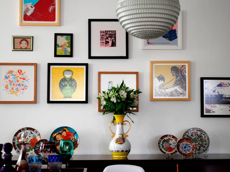 Encantado Flat: Sala de jantar  por Red Studio
