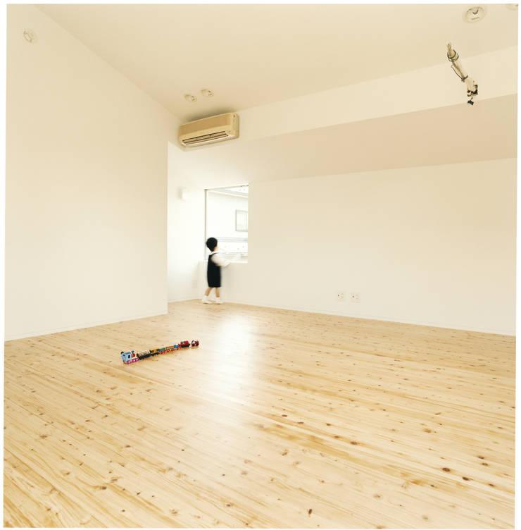 中村南一丁目住宅: 一級建築士事務所 艸の枕が手掛けた子供部屋です。
