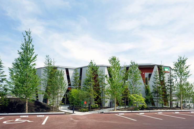 メディカル・クレオ: 岸本泰三建築設計室が手掛けた医療機関です。