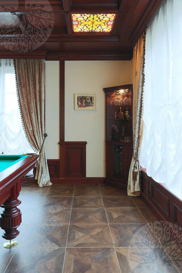 Интерьер бильярдной из массива дуба и шпона: Рабочий кабинет  в . Автор – Lesomodul