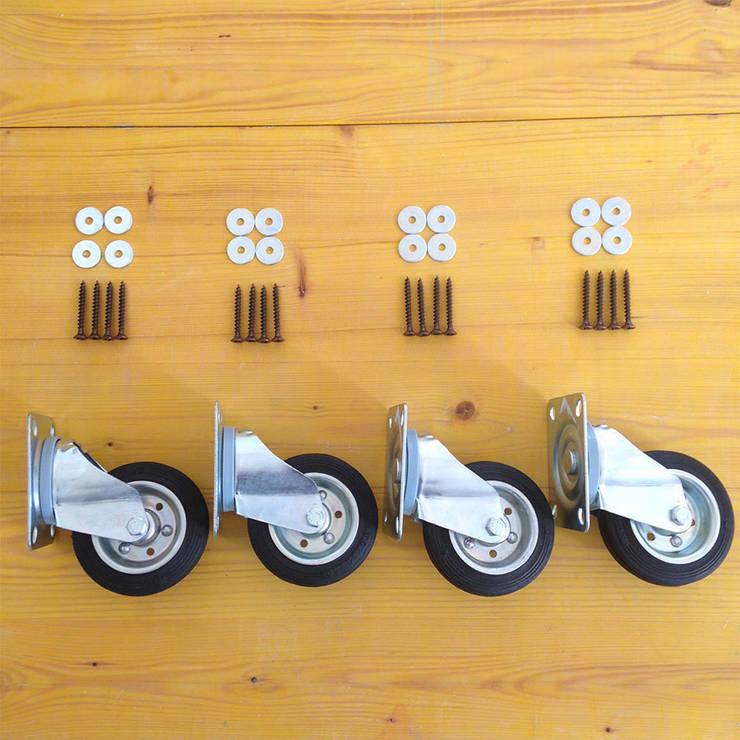 Soft table: Casa in stile  di Bubi collage