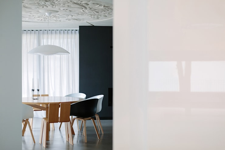 WNĘTRZE DOMU POD ŁODZIĄ: styl , w kategorii Jadalnia zaprojektowany przez BASK grupa projektowa