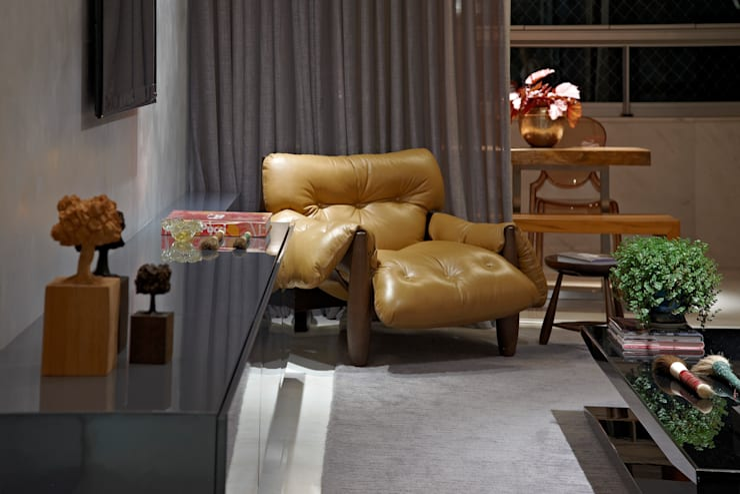 Arte pela Arte: Sala de estar  por Andréa Buratto Arquitetura & Decoração