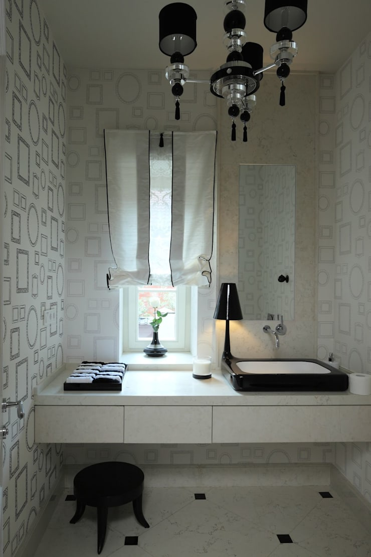 Дом в Горках: Ванные комнаты в . Автор – Lighthouse Projects