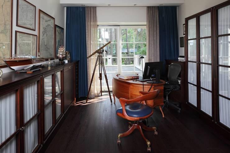 Дом в Горках: Рабочие кабинеты в . Автор – Lighthouse Projects