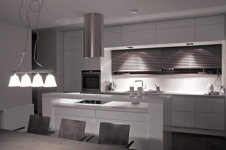 Kuchnia: styl , w kategorii Kuchnia zaprojektowany przez Konrad Idaszewski Architekt