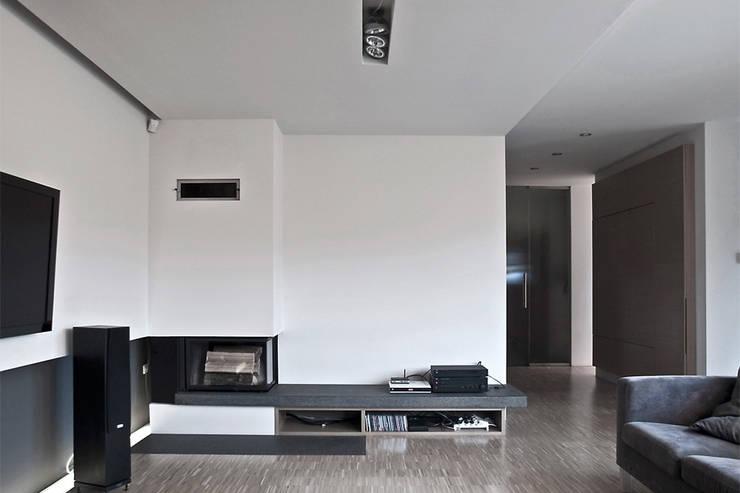 Wohnzimmer von Konrad Idaszewski Architekt