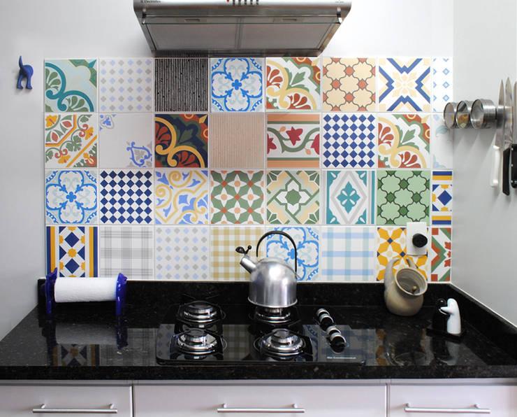 Santa Cecília Flat: Cozinhas  por Red Studio