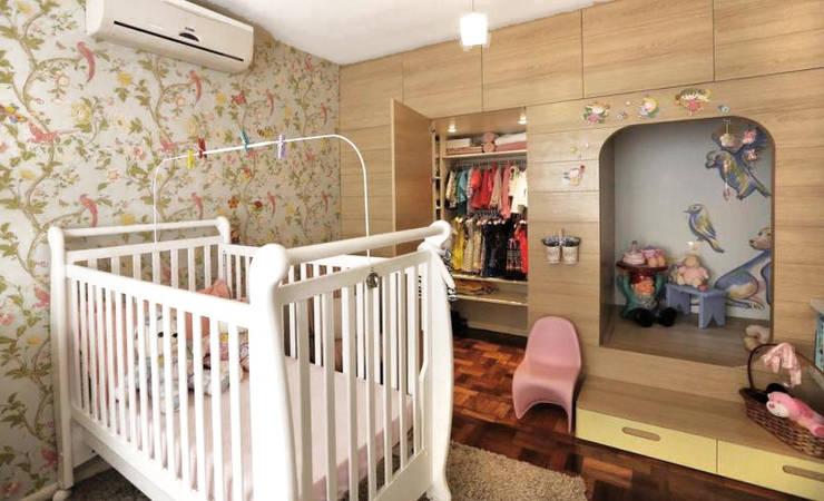 modern Nursery/kid's room by Red Studio