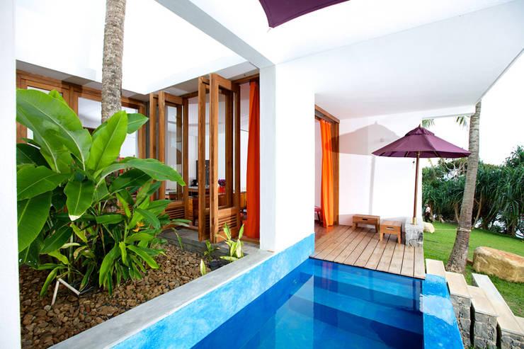 Aussenbereich Villa:  Hotels von snugdesign