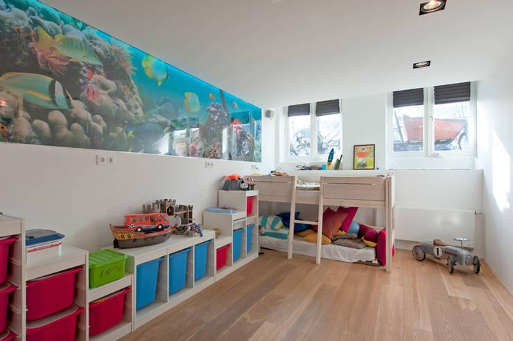 Modern interieur Amsterdam oud-zuid:  Kinderkamer door Het Ontwerphuis