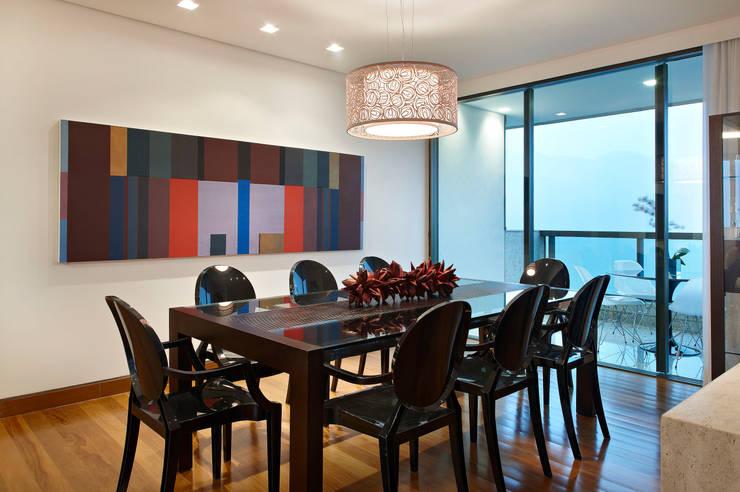 Sala de Jantar: Salas de jantar  por Lage Caporali Arquitetas Associadas